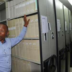 VG Booi, curator in the archives room